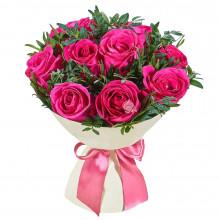 Букет из 9 розовых роз и пистачио