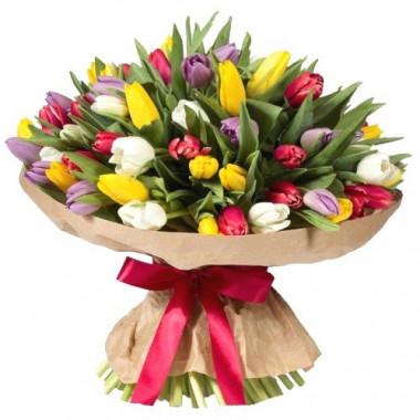 Букет из 51 тюльпана в крафте