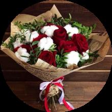 Букет из роз и хлопка №2